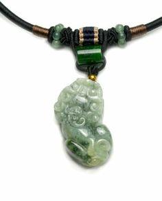 Chinesische Vermögens Tiger Geschnitzte Grün Jadeit Jade Amulett Talisman Halskette, Jade Anhänger 40x21x10 mm, Cord 42 cm - Fortune Feng Shui Chinesische Zodiac Schmuck Imperial-Jade Kollektion, http://www.amazon.de/dp/B00IQTIMZW/ref=cm_sw_r_pi_dp_qe2etb08NPQE5