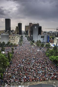 "New Guiness World Record: People Dancing ""Thriller"" Ciudad de México. by Eneas, via Flickr"