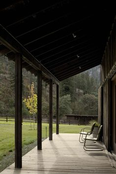 Canyon Barn - Old barn renovated and transformed into a three-bedroom retreat (13)