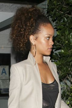 Rihanna in Rihanna at Giorgio Baldi Restaurant