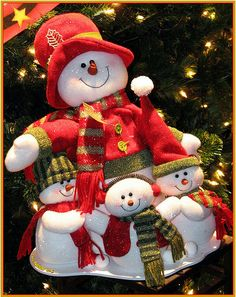 Happy Snowman Family Greeting Card by Chris Anderson Christmas Clay, Christmas Snowman, Christmas Eve, Christmas Wreaths, Christmas Crafts, Xmas, Christmas Ornaments, Handmade Christmas Decorations, Holiday Decor