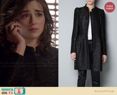 WornOnTV: Allison's black jacquard coat on Teen Wolf Teen Wolf Outfits, Casual Outfits, Stone Landscaping, Allison Argent, Crystal Reed, Hanging Crystals, Stone Crafts, Fashion Tv, Costume Design