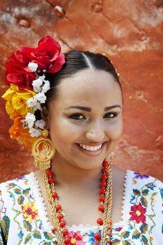 ✢ STYLE ✢ Viva Mexico | Señorita de Yucatán