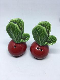 Vintage Salt and Pepper Shakers Anthropomorphic Kissing Apple