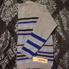 Oversized DKNY Sweater Perfect sweater for fall, winter And early spring! Lightweight and cozy, this sweater would pair great with leggings or your favorite skinnies. Brand new with tags/unworn. DKNY Sweaters