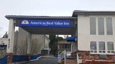 Americas Best Value Inn Lynnwood Lynnwood (Washington) Featuring free WiFi, Kings Suites offers accommodation in Lynnwood. Guests can enjoy the on-site bar.  Each room at this hotel is air conditioned and comes with a TV with cable channels. Certain rooms include a seating area for your convenience.