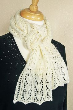 Ravelry: Gull Wings Scarf pattern by Susan Lowman