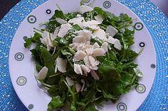Rucola Salat mit einem Balsamico-Honig-Kürbiskernöl Dressing, ein sehr schönes Rezept aus der Kategorie Vegetarisch. Bewertungen: 1. Durchschnitt: Ø 3,0.
