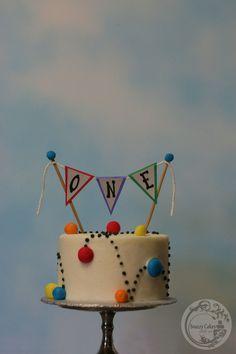 bouncy ball cake Ball Theme Birthday, Bouncy Ball Birthday, 1st Birthday Boy Themes, Mickey First Birthday, First Birthday Cakes, Birthday Diy, Birthday Ideas, Happy Birthday, Backyard Birthday Parties