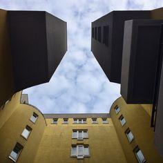 Montag, 09.03., 11:30 Uhr – Charlottenburg: Augen auf, der Blick nach oben! @ Borkeberlin