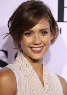 Hairstyles For Short Hair - Wavy Bob with Side Fringe