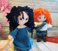 Outlander Jamie and Claire Fraser dolls, inspired by Diana Gabaldon books and TV series Outlander. Adorable crochet dolls of the most romantic couple , Jamie and Clair . Magnificent and special gift to all Outlander admirers, Unique Wedding present and Valentines love