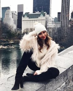 nyc winter outfits cozy in central park and I may - winteroutfits New York Winter Outfit, New York Winter Fashion, Snow Day Outfit, Autumn Winter Fashion, Autumn Style, Autumn Fall, New York Outfits, City Outfits, Mode Outfits
