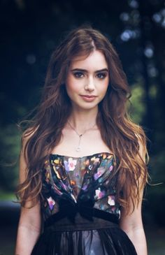 Image via We Heart It https://weheartit.com/entry/101227565/via/30267078 #famous #girl #photography #pretty #vintage #lilycollins