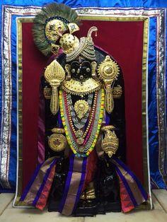 Krishna Temple, Krishna Hindu, Cute Krishna, Lord Shiva Statue, Krishna Statue, Navratri Images, Lord Krishna Wallpapers, Lord Krishna Images, Blue Balloons