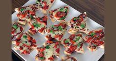 Christmas mini pizzas made with English muffins cut into Christmas shapes! Kids Christmas Treats, Christmas Party Food, Christmas Dishes, Christmas Cooking, Homemade Christmas, Food Fantasy, Healthy Snacks For Kids, Cooking With Kids, Creative Food