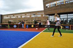 Voorgezet onderwijs: sportveld op het schoolplein. Inzet in bewegingsonderwijs. De foto is gemaakt op het AOC in Borculo.