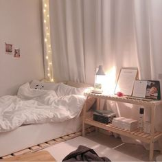 35 Maybe You Are More Interested In Aesthetic Korean Modern Minimalist Bedroom Style 35 - homegrowmart Room Design Bedroom, Room Ideas Bedroom, Small Room Bedroom, Bedroom Decor, Korean Bedroom Ideas, Study Room Decor, Minimalist Room, Modern Minimalist, Aesthetic Room Decor