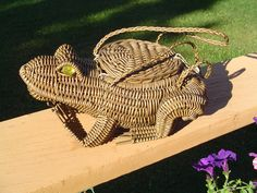 Vintage Frog Purse Woven Wicker