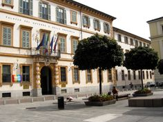 Novara #PiazzaMatteotti. #Bellitalia street furniture - arredo urbano
