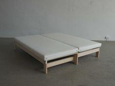 Bett halbewahrheitganzewahrheit Ideen aus Holz hirnholz.at Mattress, Diy, Furniture, Home Decor, Carpentry, Bed, Ad Home, Timber Wood, Ideas