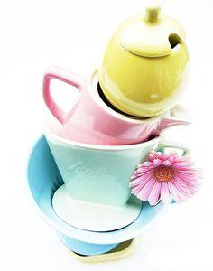 Beauty is where you find it Pastels Pastel Colors, Colours, Pastels, Susie Watson, Cornishware, Tea Sets Vintage, Ceramic Tableware, Retro Home Decor, Retro Furniture