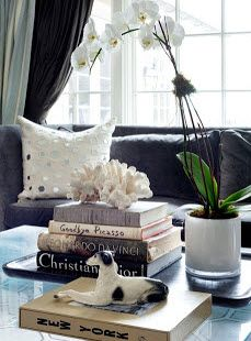Cute Setup For The Side Table In Living Room Lt 3 Books On Coffee