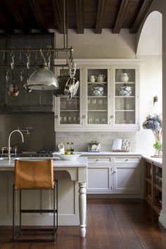 Design Lessons My Mother Taught Me In honor of Mother's Day, professionals on Houzz reflect on the design and style wisdom their mothers passed on