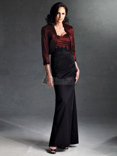 Gorgeous mother of the bride dress. I wonder if it comes in purple?