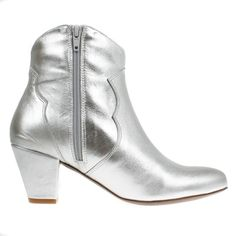 Stiefelette Claire Plata www.onyva.ch / #stylefashionboots #cowboyboots #boots #fashionboots #pink #spacecowboy #80s #80sfashion #stiefelette #shoes #disco #zurich #style #glam #glamrock #silver 80s Fashion, Fashion Boots, 80s Shoes, Rock Of Ages, Glam Rock, Winter Shoes, Zurich, Claire, Cowboy Boots