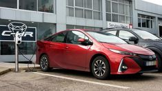 A Toyota acaba de arrancar com a instalação de uma série de pontos de carga para veículos eléctricos e híbridos plug-in, na sua rede de concessionários em Portugal. http://observador.pt/2018/01/05/toyota-instala-postos-de-carregamento-em-portugal/