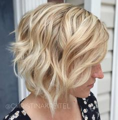 Layered Wavy Blonde Bob