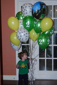 John Deere Party balloons.