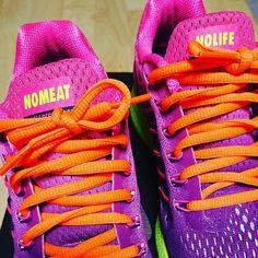 プレゼント用Nikeid第2弾。 派手かなぁと思ったけど、綺麗な色味。  次は、自分用第2弾。 #nikeid #NOMEAT #NOLIFE #ZOOMPEGASUS32 Nike Id, Running Shoes, Sneakers, Instagram Posts, Fashion, Runing Shoes, Tennis, Moda, Slippers