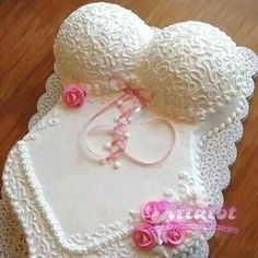 Bustier cake
