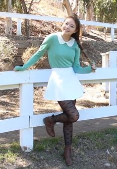 Stilababe09 fall oufit - peter pan collar sweater, circle skirt, patterned tights, and boots.
