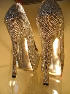 DIY rhinestone pumps!!