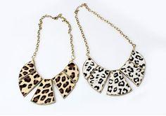 Stylish Leopard Fan-Shaped Necklace