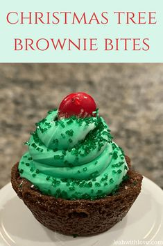 Mini brownies + green icing + M&M = Christmas Tree Brownie Bites How cute are these little brownie Christmas trees?!? I have a slight obsession with my Pampered Chef mini muffin pans. Over the years, some of my favorite recipes have been made in these pans. One of the most popular being the snickerdoodle bites. …