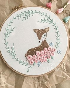 No photo description available. Hand Embroidery Videos, Embroidery Flowers Pattern, Creative Embroidery, Simple Embroidery, Learn Embroidery, Hand Embroidery Stitches, Modern Embroidery, Embroidery Hoop Art, Hand Embroidery Designs