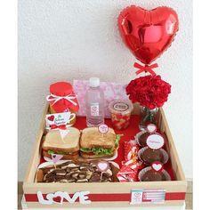 Valentines Breakfast, Valentines Day Cakes, Birthday Breakfast, Valentine Day Gifts, Walmart Valentines, Breakfast Basket, Breakfast In Bed, Gift Box Birthday, Birthday Diy