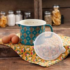 The Pioneer Woman 6-Cup Vintage Geo Decorated Enamel-On-Steel Measuring Pitcher with Lid - Walmart.com
