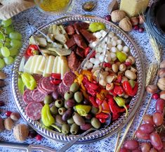 Antipasto Platter #SundaySupper and #GalloFamily give thanks.