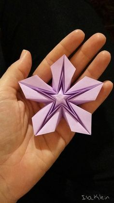 Diagramas & Cia.: Tutorial: Sothis. Origami tutorial for a star with variations shown. Criação Isa Klein