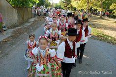 hungarian children from Vajdaság Dance Stuff, Folk Dance, Moldova, Emeralds, Hungary, Romania, Poland, The Past, Culture