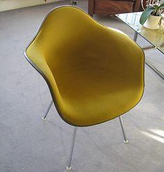 Mellow yellow ameba chair