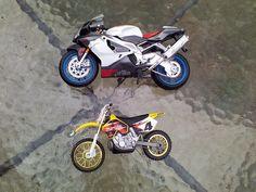 Maisto Aprilla Motorcycle Suzuki Makita 5 Toy Lot Of 2 Bikes #MaistoUnmarked
