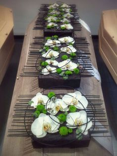 Hotel Flower Arrangements, Contemporary Flower Arrangements, Ikebana Flower Arrangement, Table Arrangements, Deco Floral, Arte Floral, Floral Design, Hotel Flowers, Church Wedding Flowers