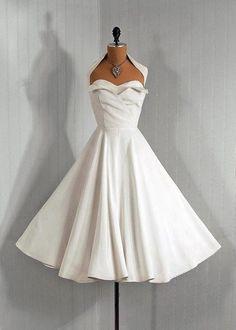 Коктейльное платье в стиле 50-х.
