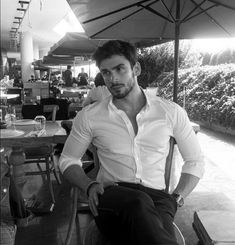 Just Beautiful Men, Beautiful Men Faces, Daddy Aesthetic, Italian Men, Photography Poses For Men, Male Face, Handsome Boys, Scruffy Men, Hot Boys